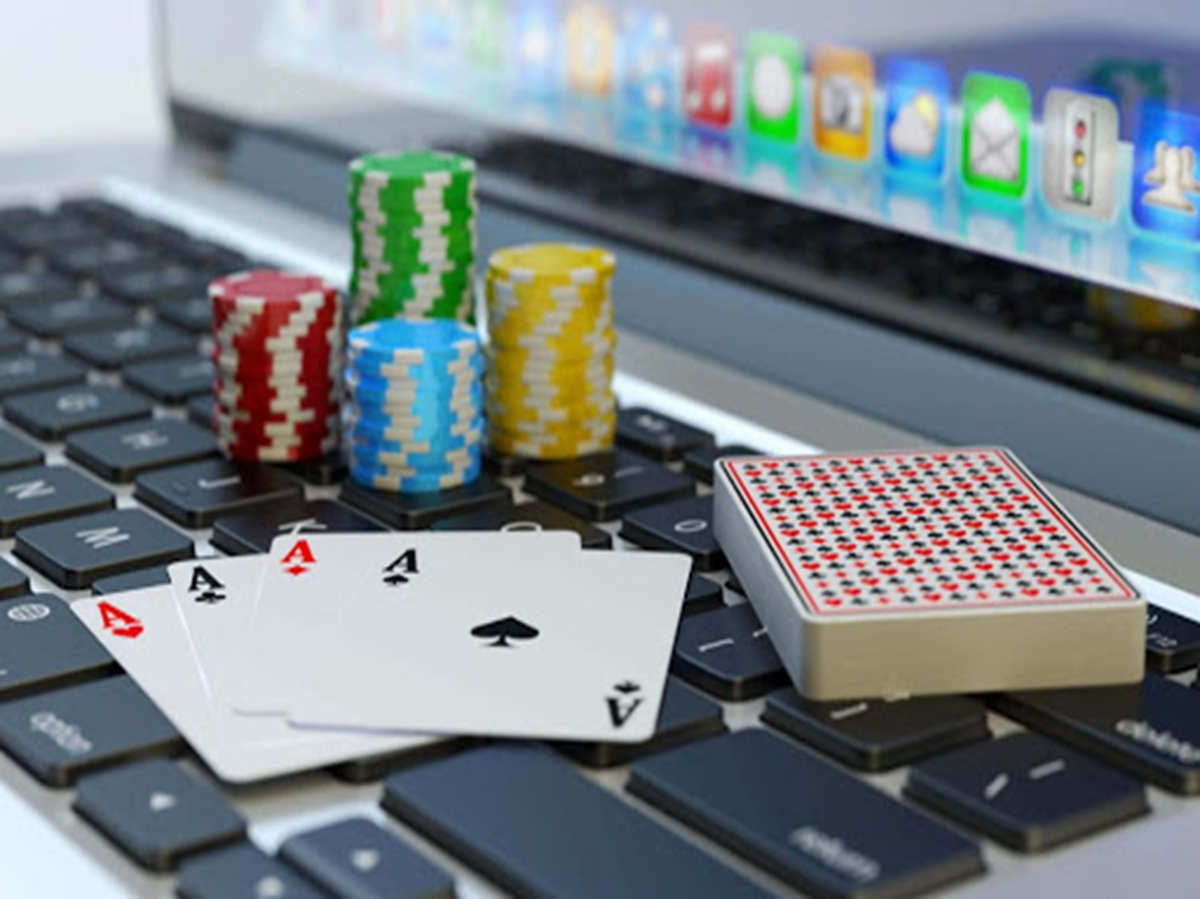 Reasons Why You Should Try Playing at an Online Casino